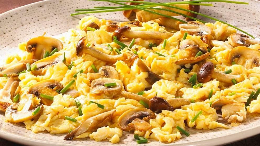 Huevos Revueltos Con Setas De Trufa