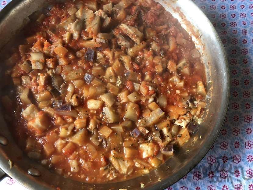 Espaguetis con salsa de berenjena y setas 10