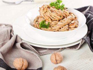 Receta de Espaguetis con salsa de nueces 1
