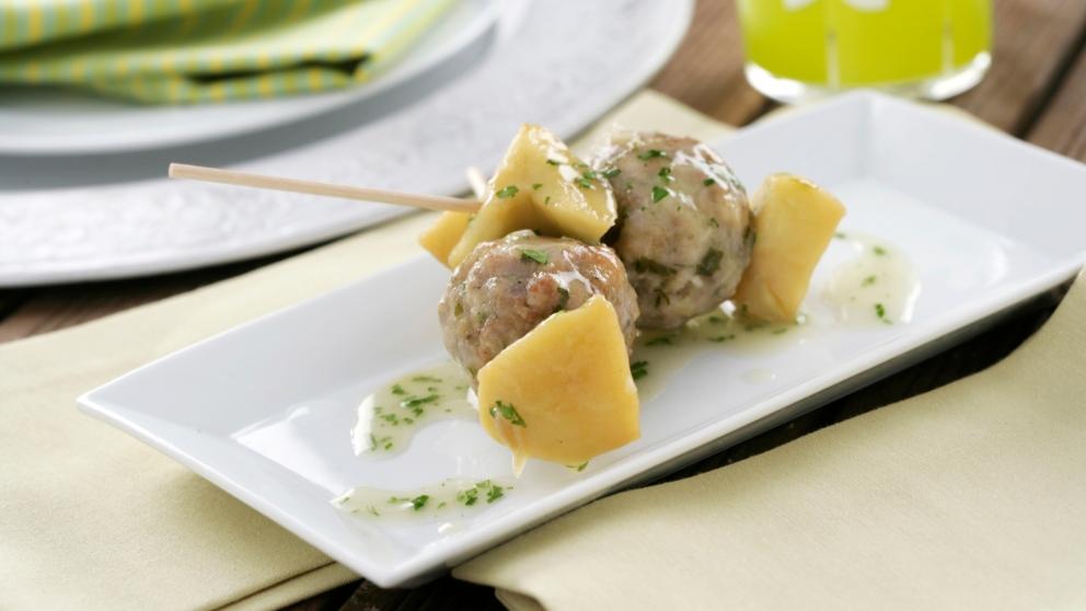 Photo of Receta de Albóndigas de pavo y jamón serrano en salsa de manzanas