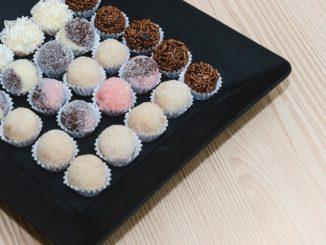 Receta de Brigadeiros de chocolate y coco 11