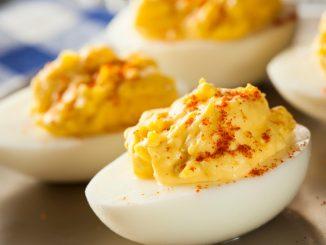 Receta de Huevos rellenos con pimentón 11