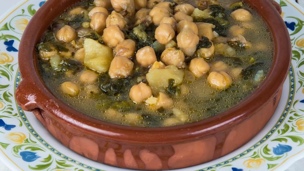 Photo of Receta de Potaje de garbanzos y acelgas