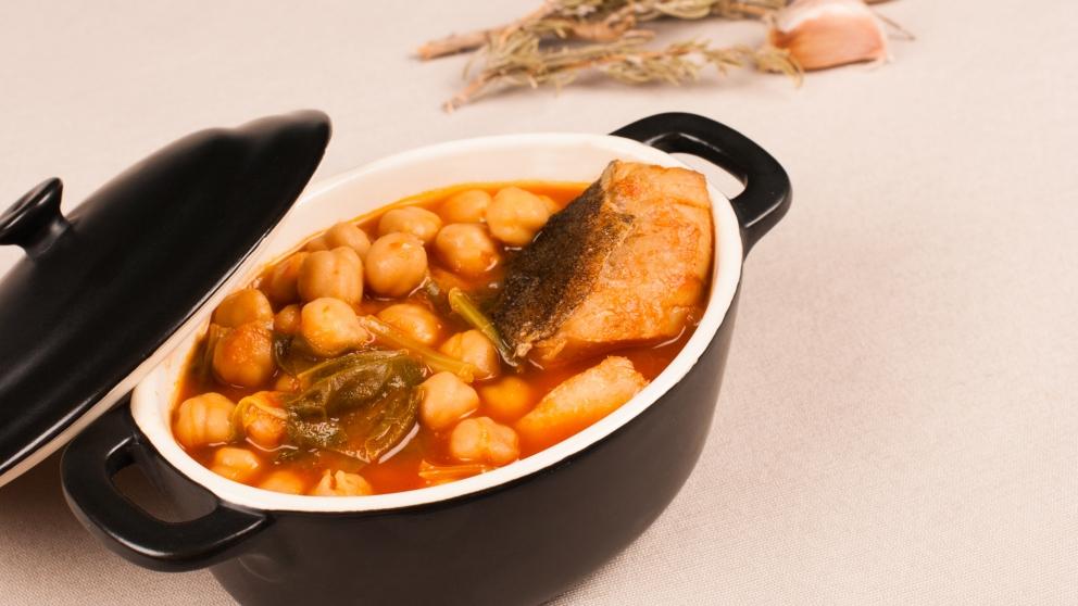 Photo of Receta de Potaje de garbanzos y bacalao