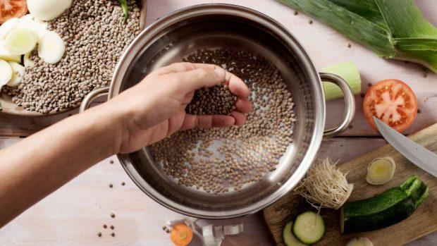 Receta de Ensalada templada de lentejas con queso fresco 3