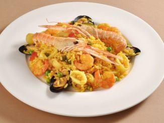 Receta tradicional de paella de marisco 18