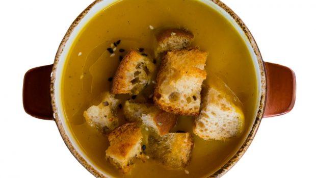 Receta de Crema de calabaza con croutons de hierbas 1