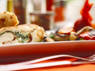 Receta de Receta de Rollo de patata relleno de carne y huevo 15