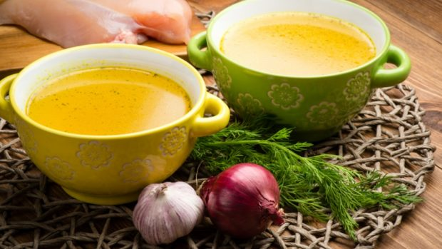 Receta de sopa de albóndigas con huevo duro