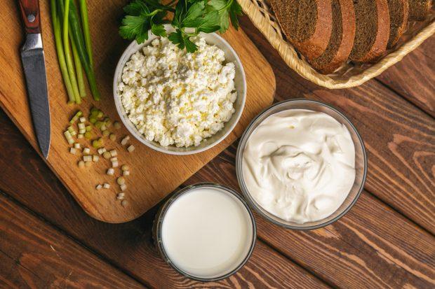 Receta de Rulo de queso cremoso envuelto en cebollino para untar 2