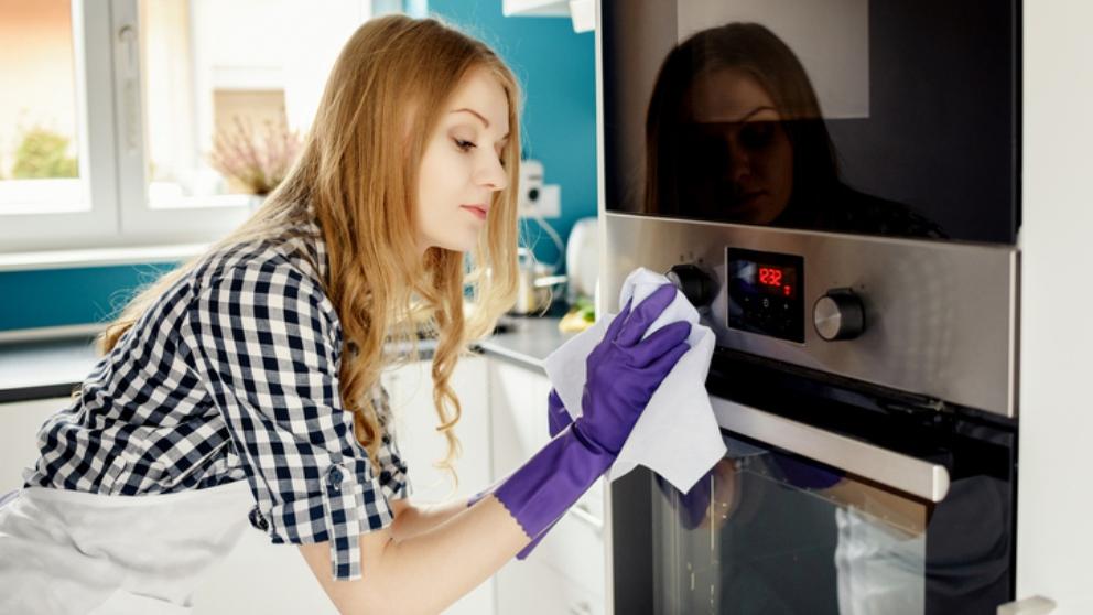 Cómo limpiar el horno con productos naturales 1