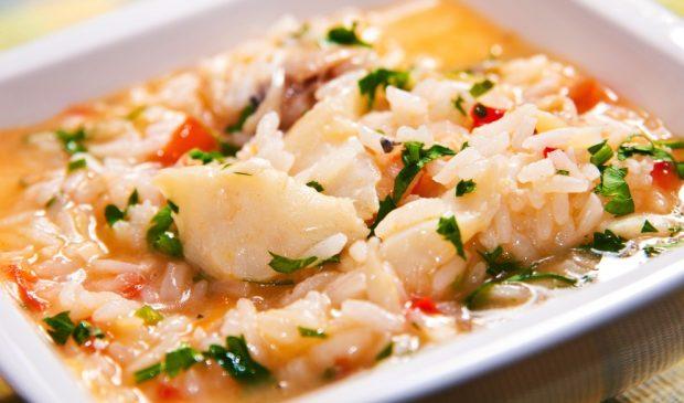 Photo of Receta de Sopa clara de merluza y arroz