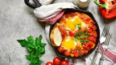 Photo of Receta de huevos al plato con pimientos y requesón