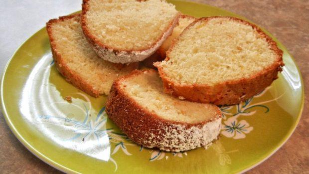 Batido de mantequilla de maní y bizcocho