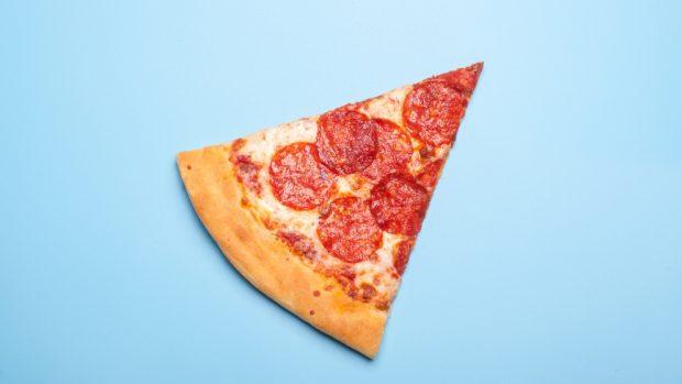 Pizza Sabadeña Con Salchichas