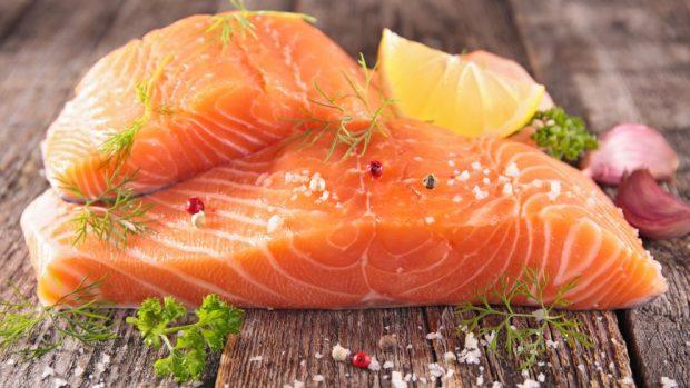 Receta de salmón en rollos con verduras