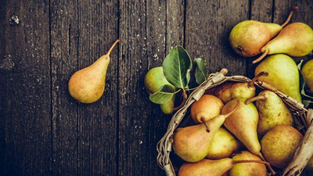 Receta de pastel de pera con avena arrollada y jengibre