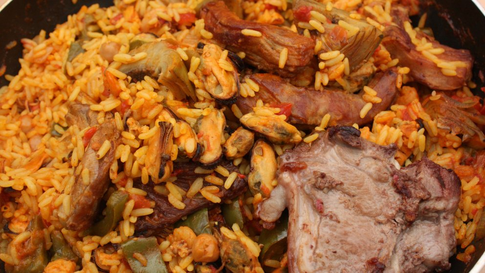 Receta de Paella con carne de cordero y alcachofas 1