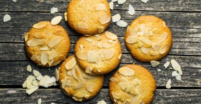 Receta de galletas de vainilla con almendras y chocolate blanco 1