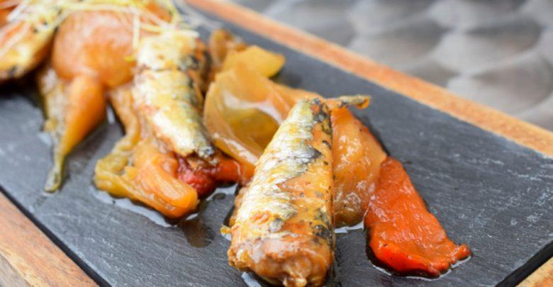 Receta de sardinas con anchoas encebolladas 1