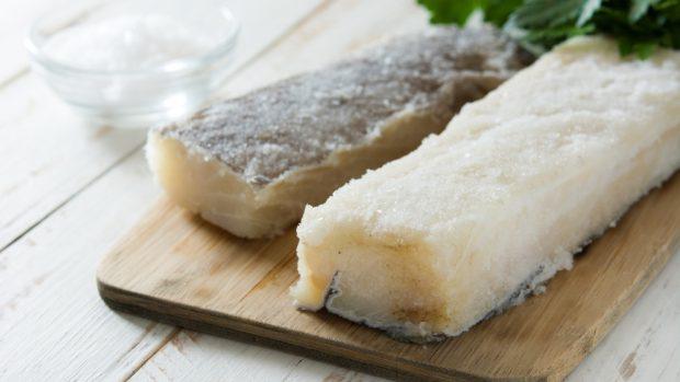 Receta de albóndigas de bacalao con salsa de avellanas