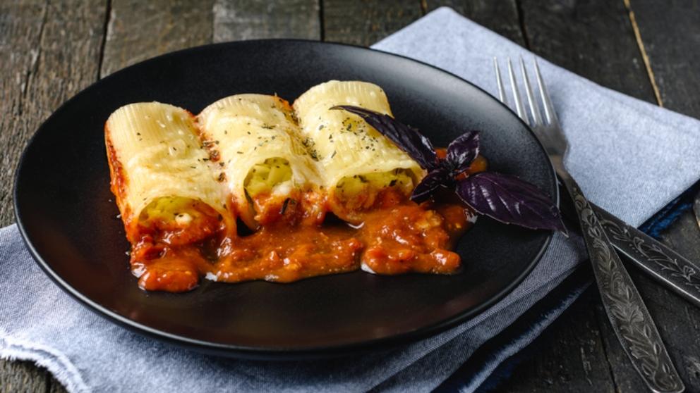 Receta de canelones de bacalao con salsa de sanfaina 1