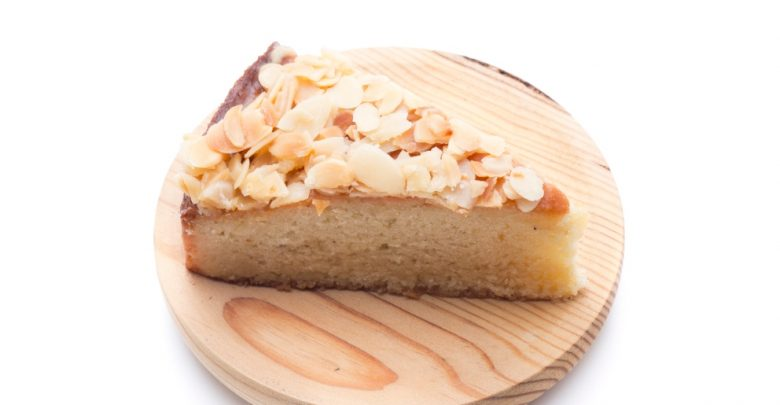 Receta de Tarta de turrón y crema de queso 1
