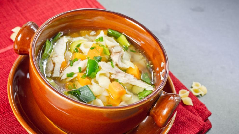 Receta de sopa de pollo con col rizada 1
