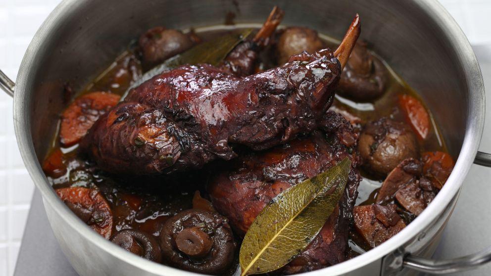 Conejo en salsa de chocolate