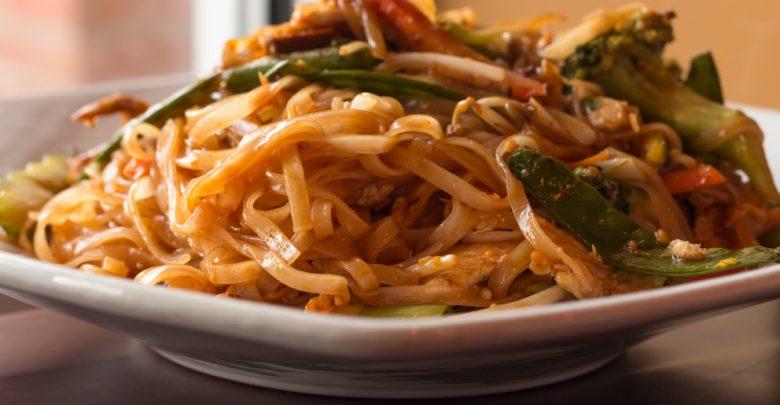 Receta de Fideos de arroz chino salteados con champiñones y pak choi 1