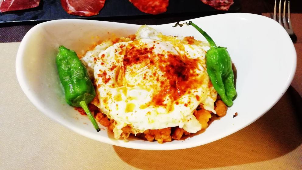 Receta de huevos mollet con migas serranas 1