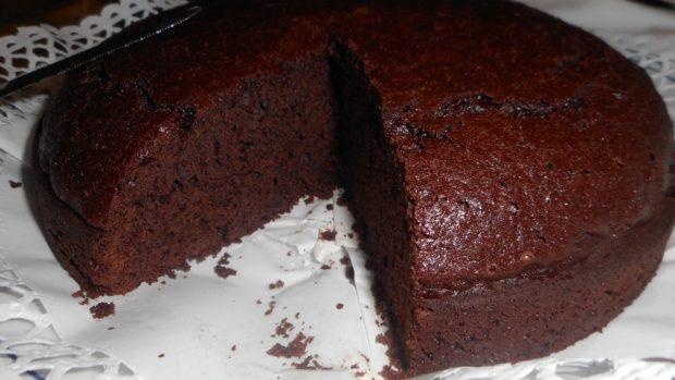 Pastel vegano de chocolate y avena