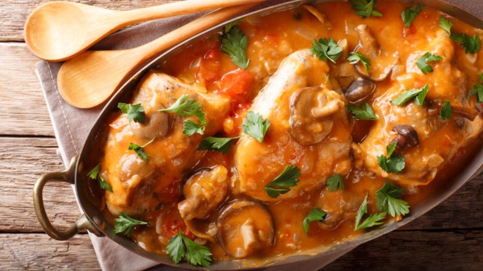 Receta de pollo con salsa de escalivada y champiñones 1