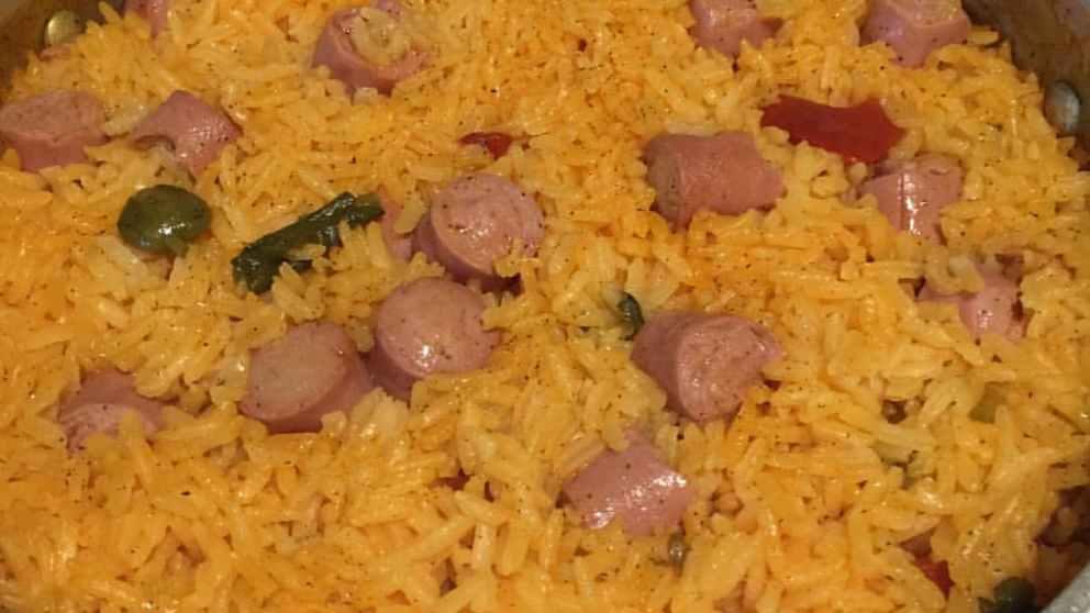 Photo of Receta de Arroz a la milanesa con salchichas