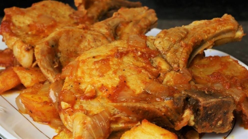 Photo of Receta de Chuletas de cerdo en salsa de cebolla