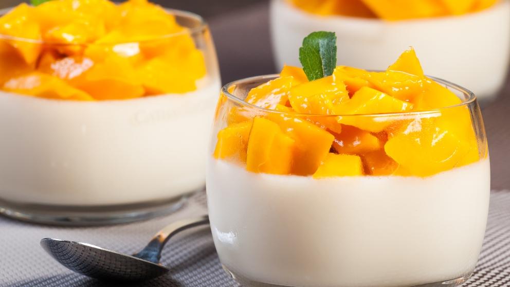 Photo of Receta de Crema de yogurt con mango y maracuyá