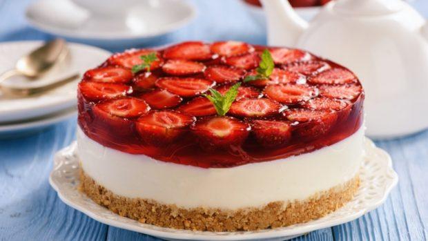 Receta de pastel de fresa y queso vegano al horno