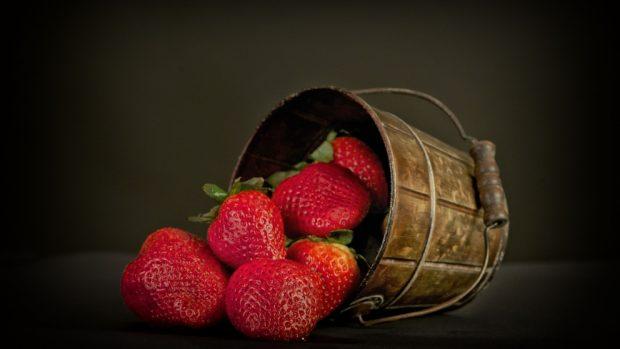 Batido refrescante de fresa y leche condensada