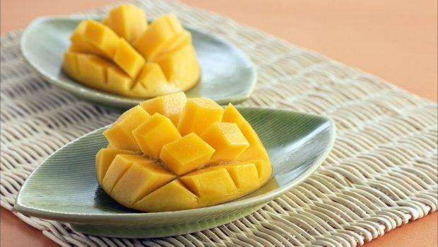 Ensalada de espinacas y mango