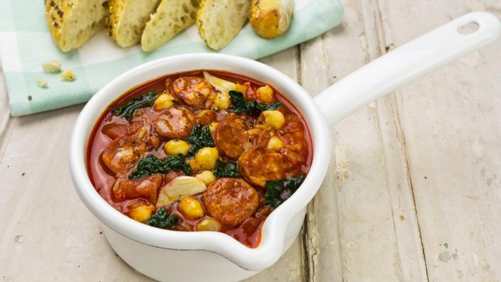 Receta de sopa de col con garbanzos y chorizo 1