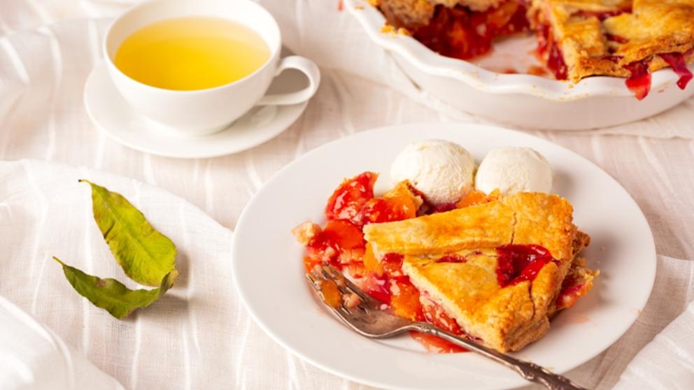 Photo of Receta de tarta de melocotón en almíbar con frutos rojos
