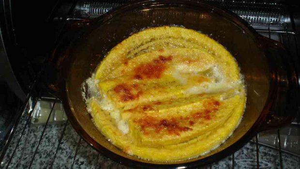 Plátanos al horno en salsa de naranja