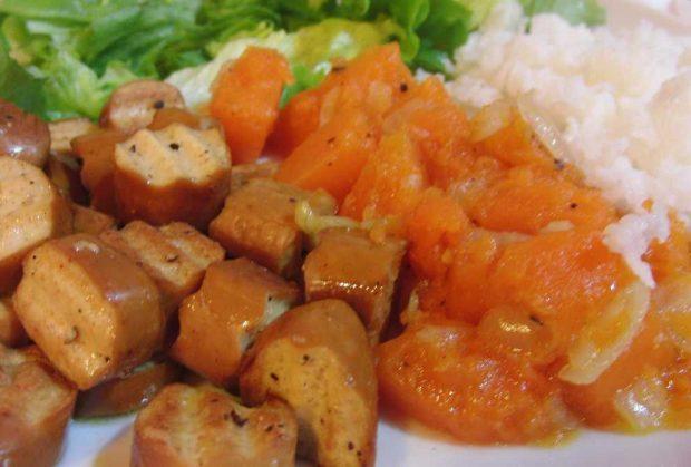 Salchichas de tofu en tempura