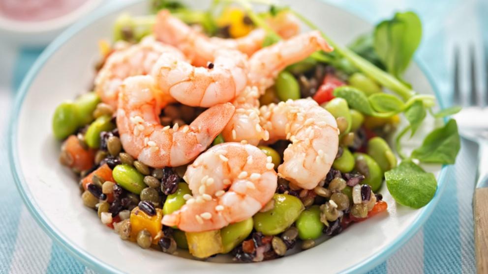 Receta de ensalada de lentejas con langostinos y alcachofas 1