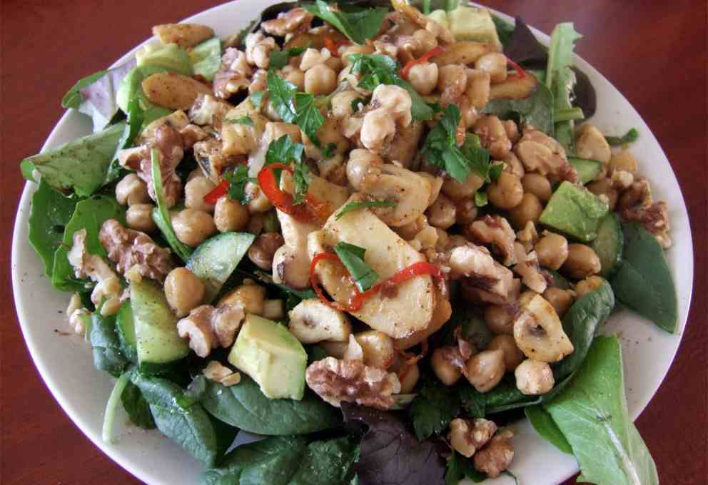 Photo of Receta de ensalada templada de garbanzos con pollo