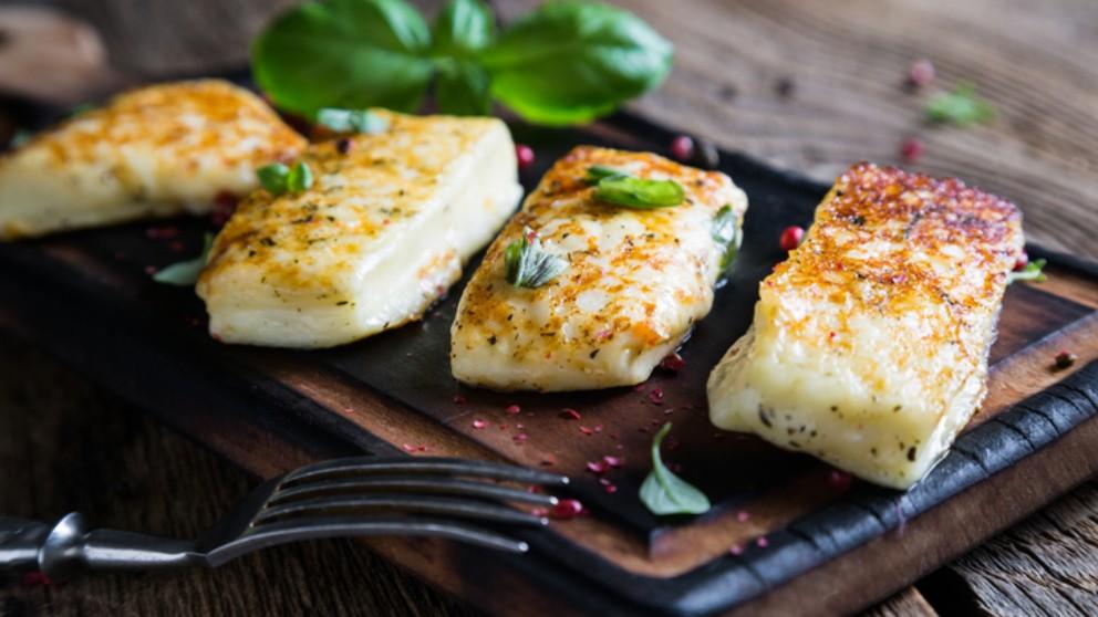 Receta de queso Emmental rebozado con aceitunas 5
