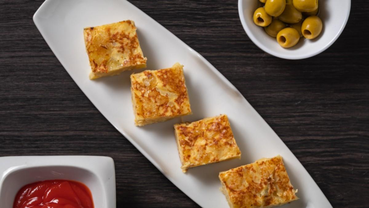 Photo of Receta de tortilla de patatas fritas de bolsa al microondas