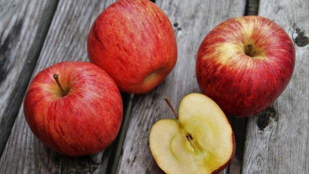 Receta rápida y fácil de pastel de manzana con microondas