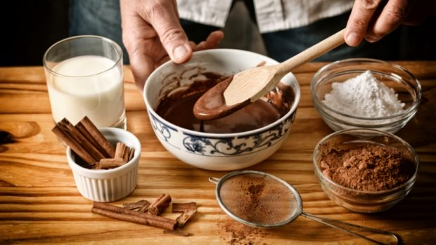 Receta saludable de galletas con chispas de chocolate sin horno