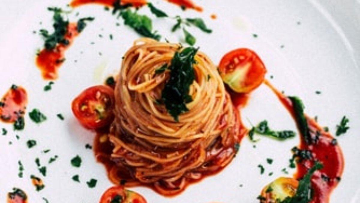 Photo of Receta de espaguetis con salsa cremosa de tomate y jalapeños